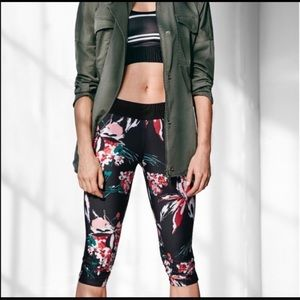 Derek Lam 10C Athleta Black Floral Capri Leggings